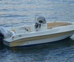 Villa Laura: Boat