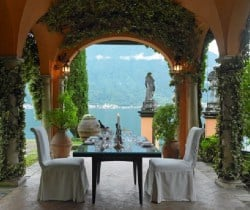 Villa Lucia: Outdoor Dining