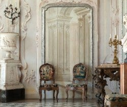 Villa Napoleone: Entrance hall
