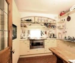 Chalet Rouge: Kitchen
