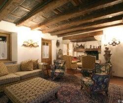 Chalet Rouge: Living room