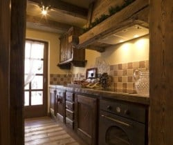 Chalet Acero: Kitchen