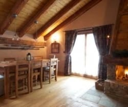 Chalet Cedro: Dining area