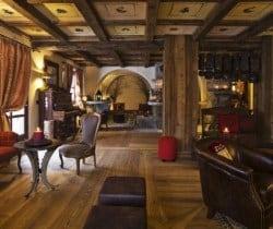 Chalet Olmo: Resort bar