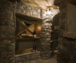 Chalet Rovere: Wine cellar