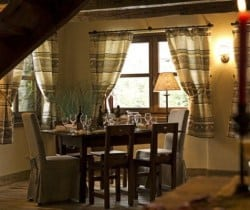 Chalet Apartment Sorbo: Dining area