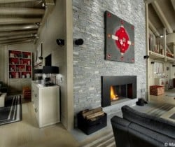 Chalet Bewir: Fireplace