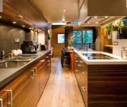 Chalet Elegance: Kitchen