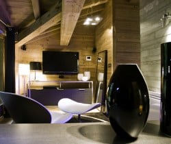 Chalet Elegance: TV area