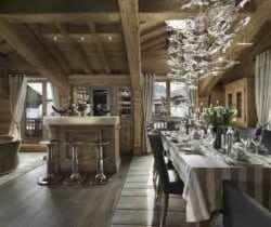Chalet Emerald: Dining area