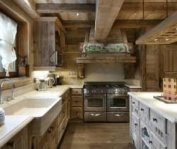 Chalet Emerald: Kitchen
