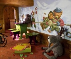 Penthouse Gema: Children corner