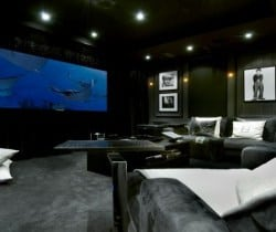 Chalet Grande Dame: Cinema room