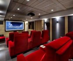 Chalet Miree: Cinema room