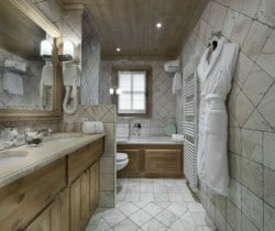 Chalet Montara: Bathroom