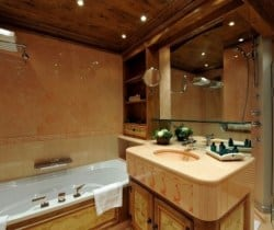 Chalet Apartment Summit I: Bathroom
