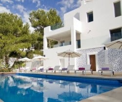 Villa Bliss: Outside view