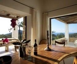 Villa Magat: Dining area