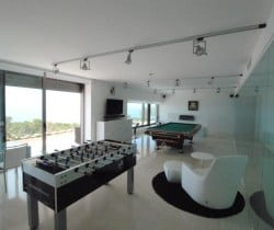 Villa Myrinan: Games Room