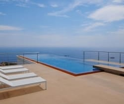 Villa Myrinan: Solarium & Swimming Pool