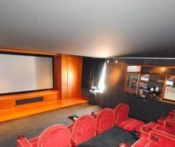 Villa Myrinan: Cinema Room