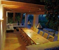 Villa Roana: Al fresco dining area