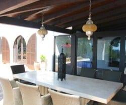 Villa Tuiga: Al fresco dining area