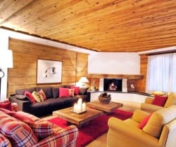Chalet Kestrel: Living room