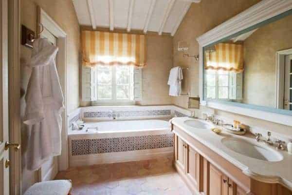 Villa Brunello: Bathroom