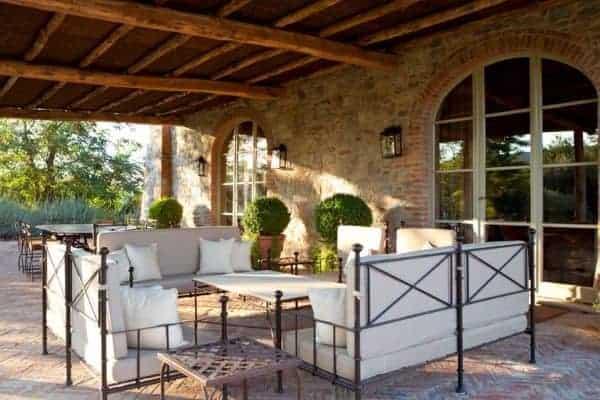 Villa Brunello: Outdoor chill out area