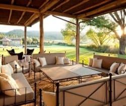 Villa Morellino: Outdoor chill out area