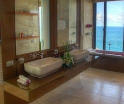 VIlla Latika: Bathroom