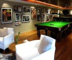 Villa Surin: Games room