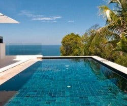 Villa Chan Grajang: Swimming pool