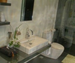 Villa Yada: Bathroom