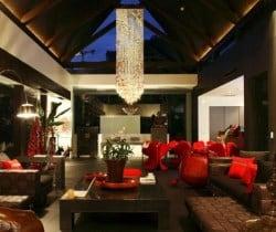 Villa Yin: Living area