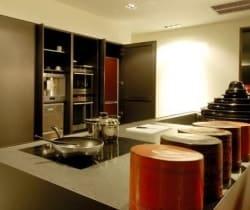 Villa Yin: Kitchen