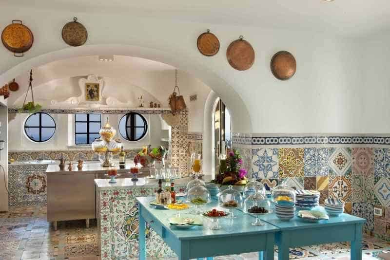 Villa Caruso: Kitchen