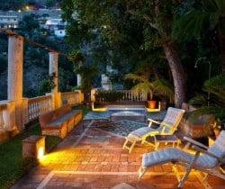 Villa Caruso: Outdoor chill out area