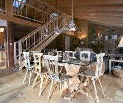 Cesa de Vin: Dining area