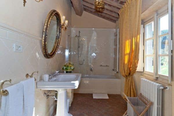 Borgo Bergenia: Bathroom