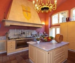 Villa Carice: Kitchen