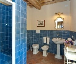 Villa Falasco: Bathroom