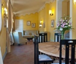 Villa Falasco: Cottage dining room