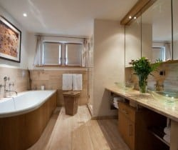 Chalet Amande: Bathroom