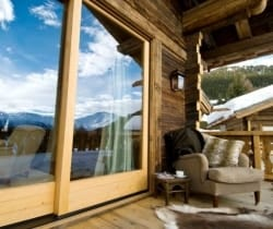 Chalet Beauty: Balcony