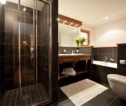 Chalet Blossom: Bathroom