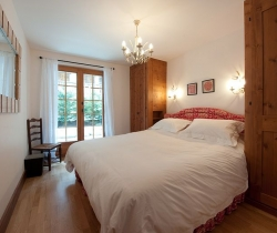 Chalet Blossom: Bedroom