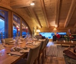 Chalet Apartment Etre: Living and dining area