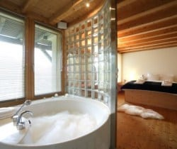 Chalet Holly: Bathroom